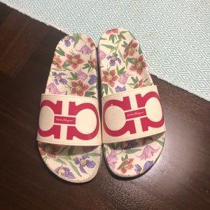 Salvatore Ferrago slide sandals